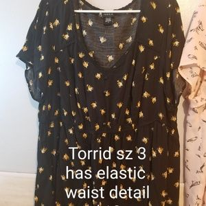 Torrid sz 3 black/yellow blouse